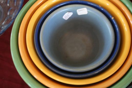 Two women bowls