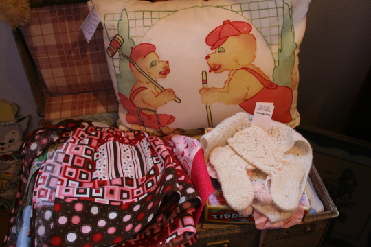 Two women pillow