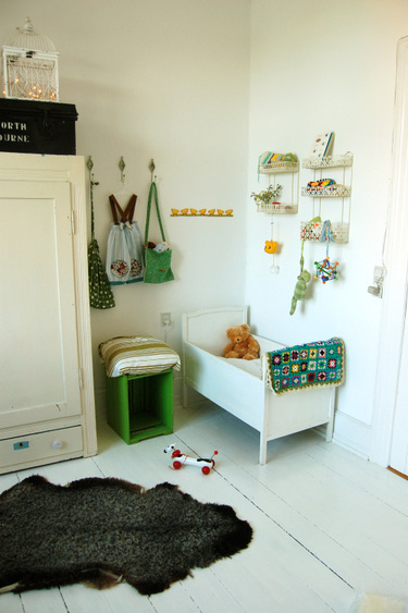 White and green nursery ohdeedoh