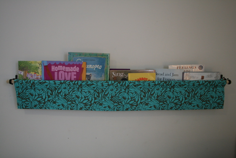 Hanging book display1