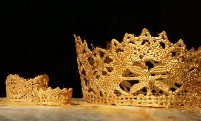 Gold crowns bitter betty