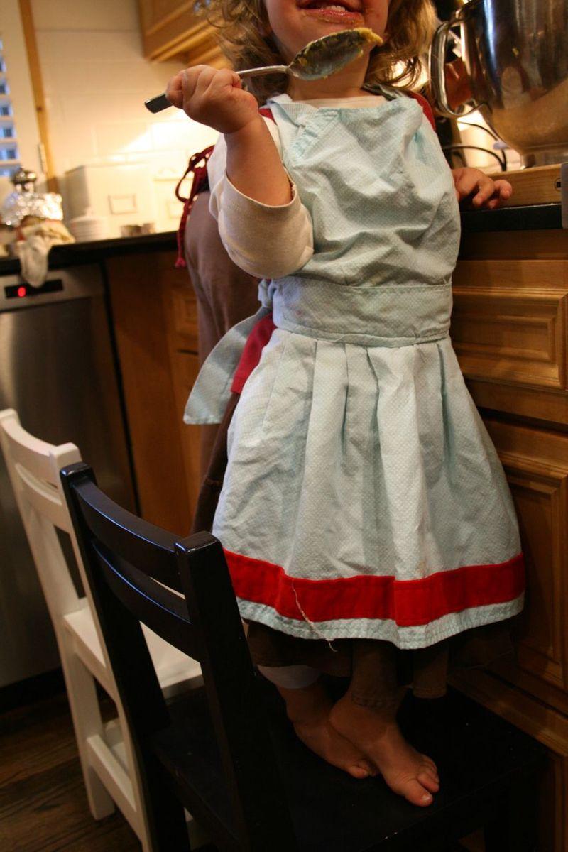 Kids apron baking