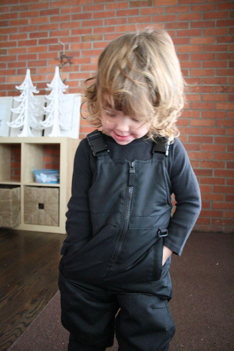 Magpie snowsuit