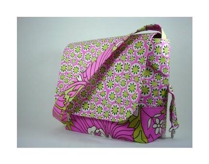 Buttercuppity messenger bag