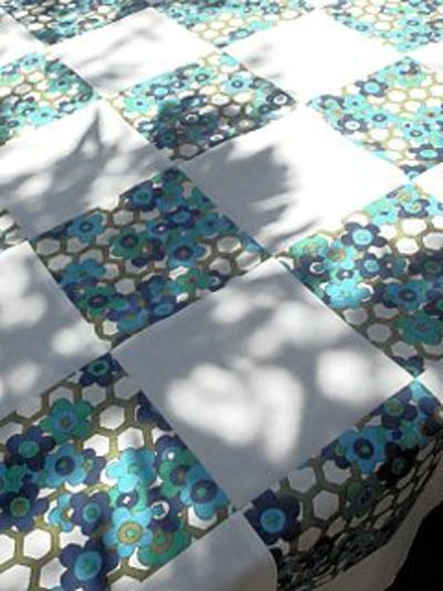 Jane_ducks_prom_tablecloth